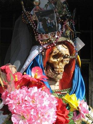 450px-santa-muerte-nlaredo2-1