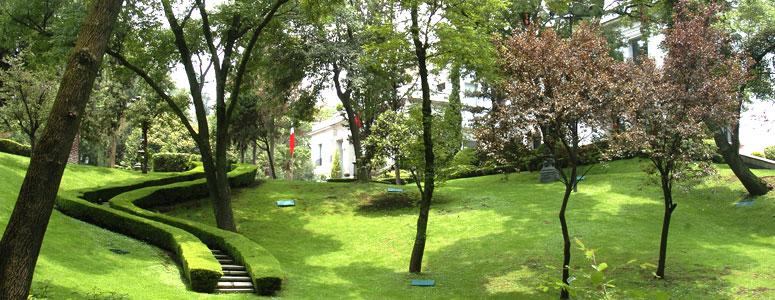 Los pinos yoreme 39 s weblog for Capillas de velacion jardin de los pinos